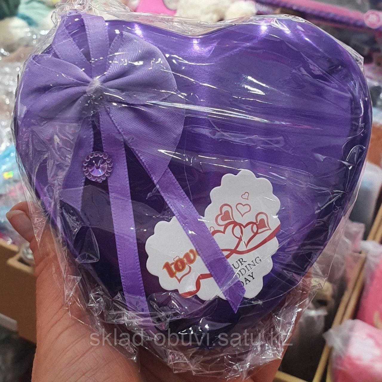 Цветы с игрушкой / милый подарок / букет/ подарочный набор в металлической коробочке в форме сердца - фото 4