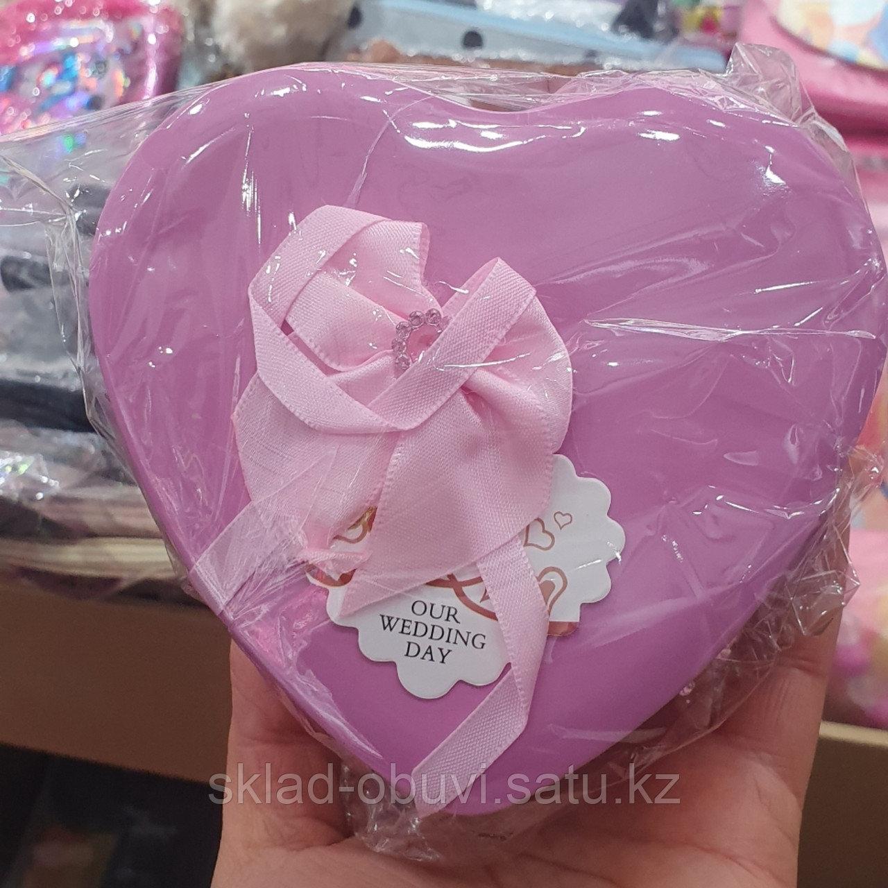 Цветы с игрушкой / милый подарок / букет/ подарочный набор в металлической коробочке в форме сердца - фото 3