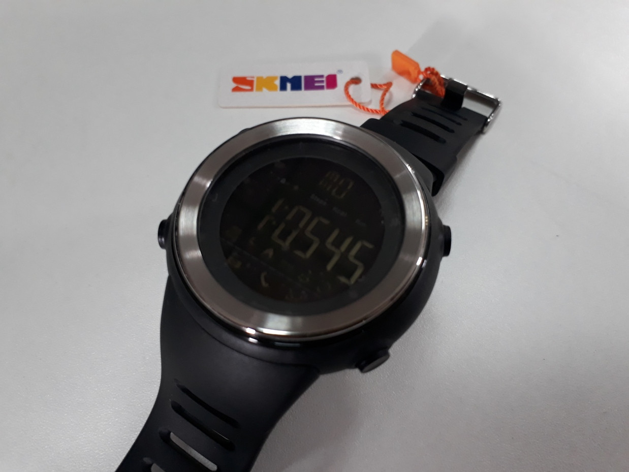 Спортивные смарт часы Skmei 1396 черные с серебристым кантом. Smart watch.