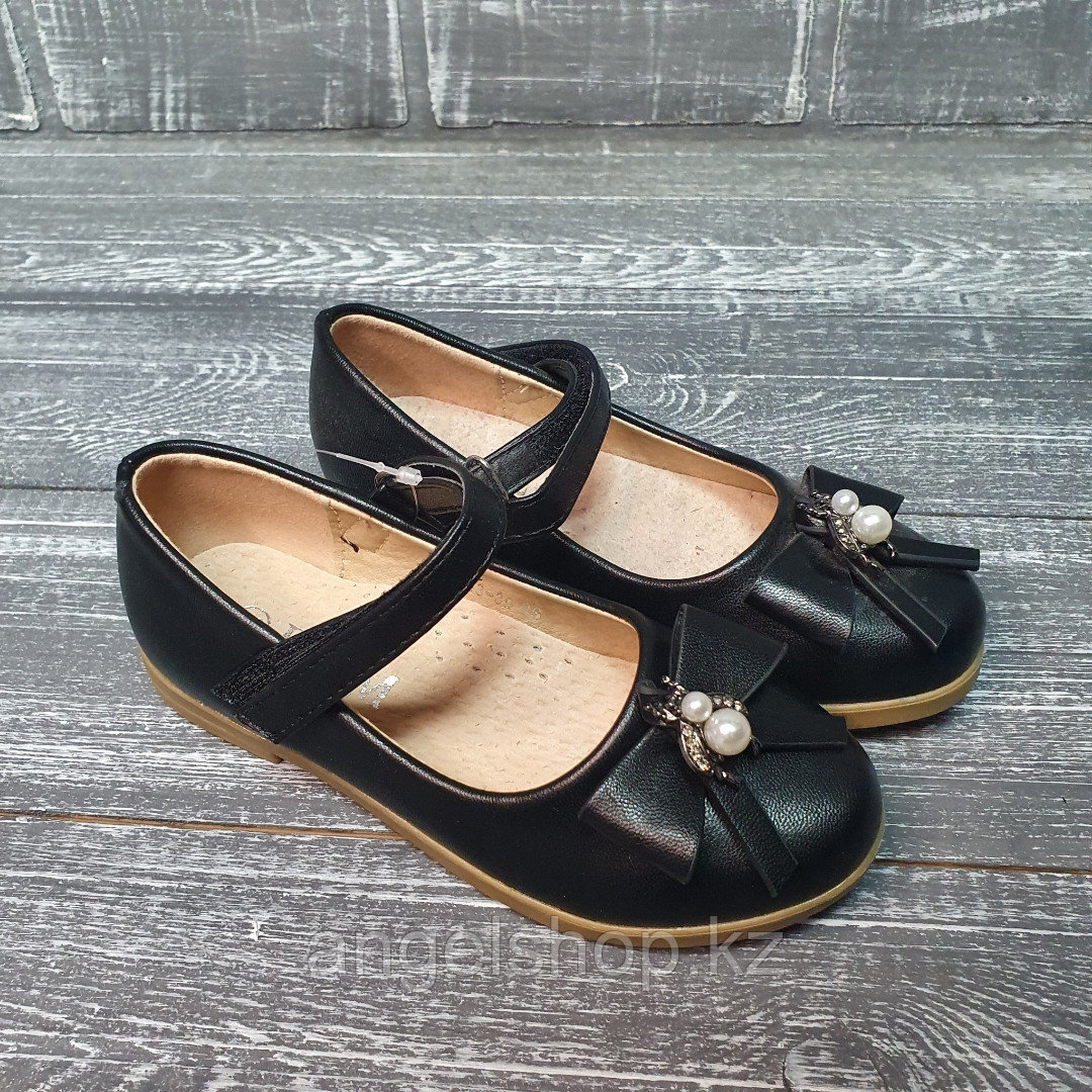 Туфли черные с бантиком в центре жука
