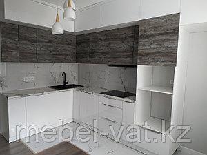 Современная кухня с кухонным столом