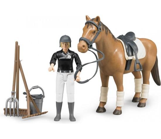 Bruder Набор для скачек, Фигурка всадница на лошади с инструментами, Брудер 62-505
