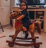 Качалка-лошадка Pituso с колёсами св. коричневый