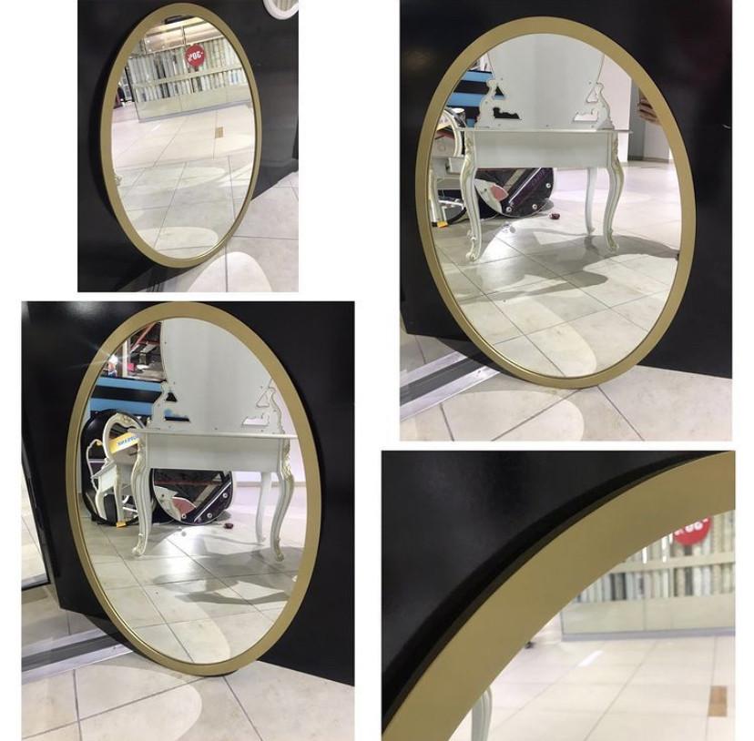 Зеркало овальное в золотистой раме МДФ, 970(В)х730(Ш)мм