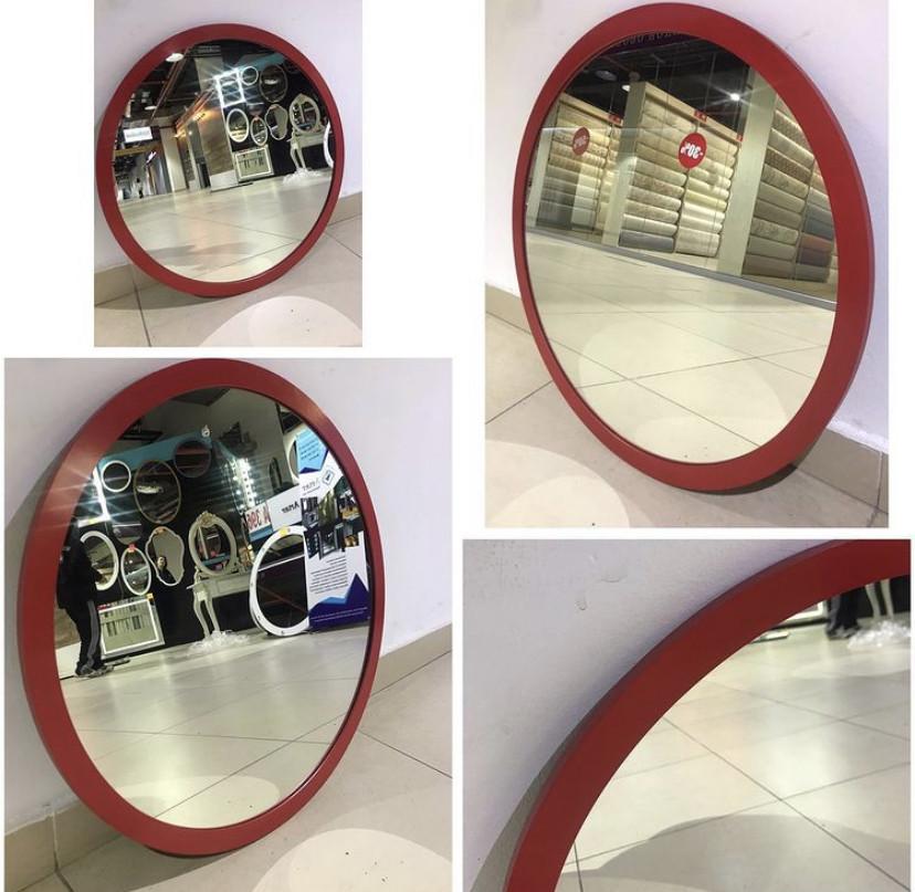 Зеркало круглое в красной раме МДФ, d=620мм