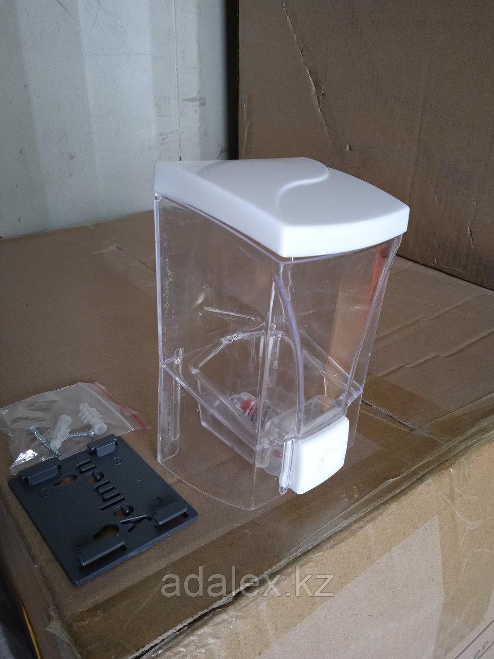 Диспенсер-дозатор для жидкого мыла 0.5л. - фото 3