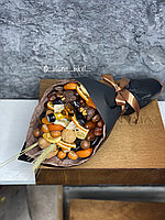 Мужской букет из сухофруктов с мини-алкоголем