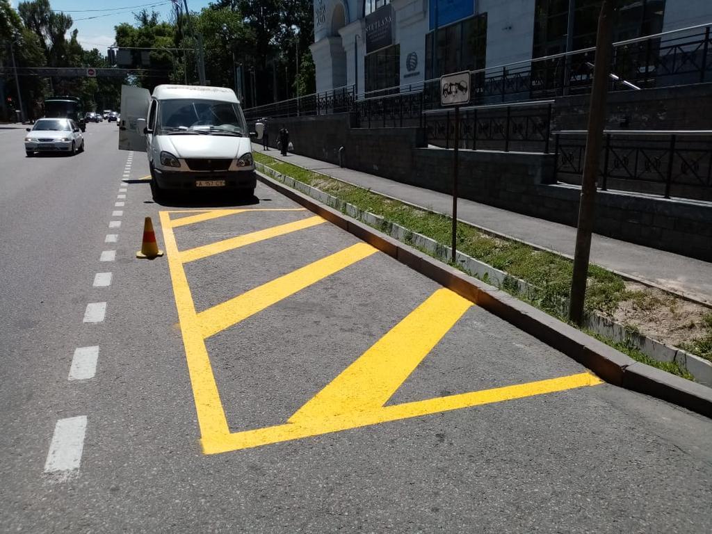 ТОО ДорСтройСнаб,(Нанесение дорожной разметки)(реализация продукции безопасности дорожного пути)(установка лежачих полицейских)(зеркало сферическое купить)