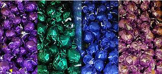 Шоколадные конфеты в ассортименте (фиолетовые, зеленые, синие, розовые) /Италия/