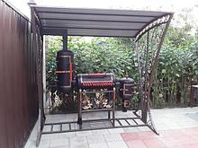 Металлические изделия, кованые для дома и сада.