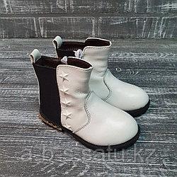 Ботинки экокожа белые