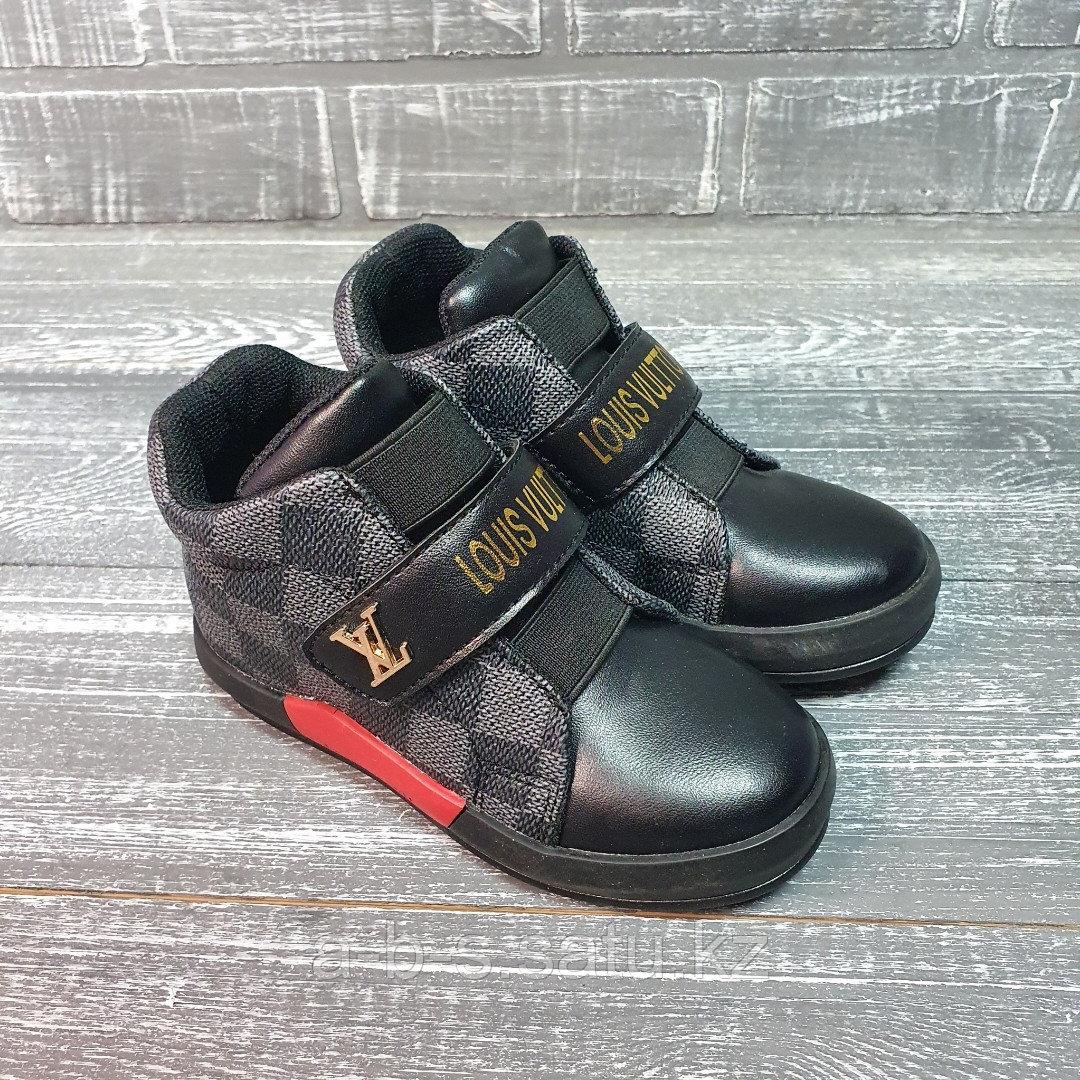 Ботинки черные LV