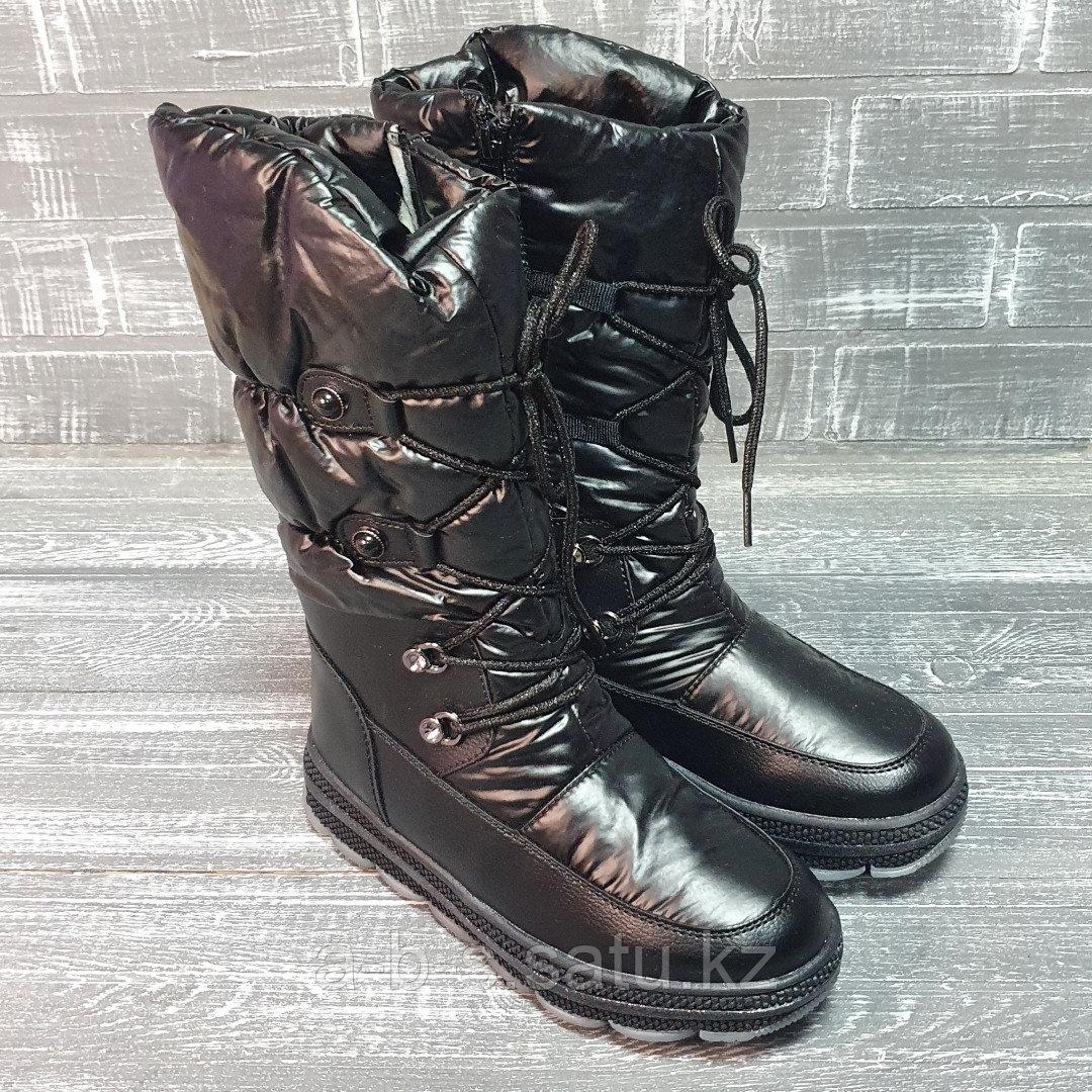 Сапожки черные со шнуровкой