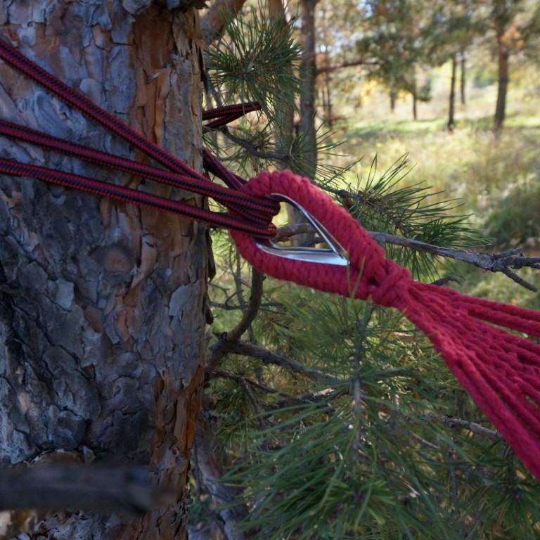 Гамак с деревянным креплением красный в полоску - фото 4