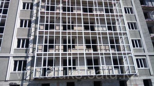 Остекление балконов многоэтажного дома - фото 2