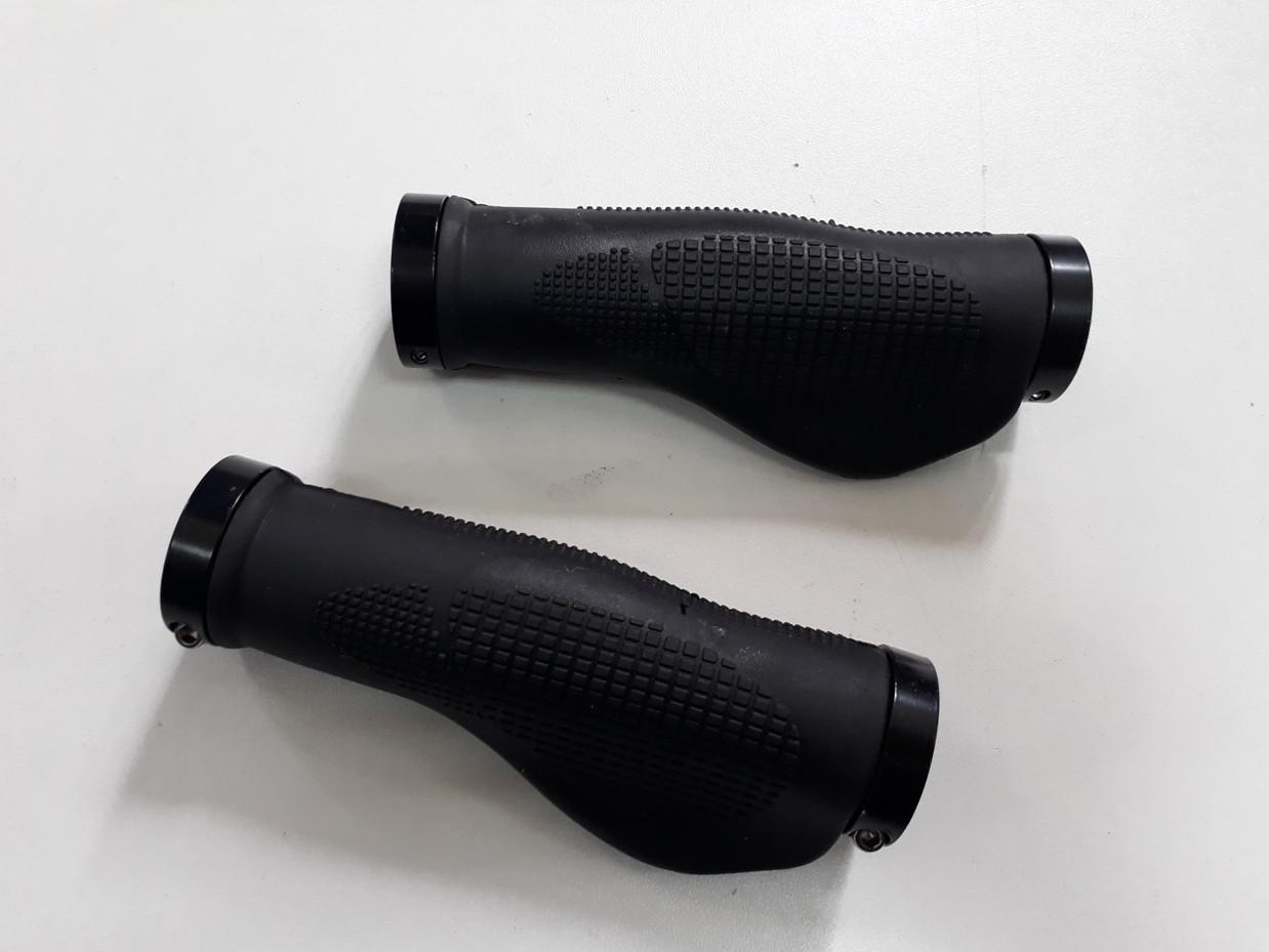 Грипсы. Резиновые ручки на руль велосипеда. Анатомические.