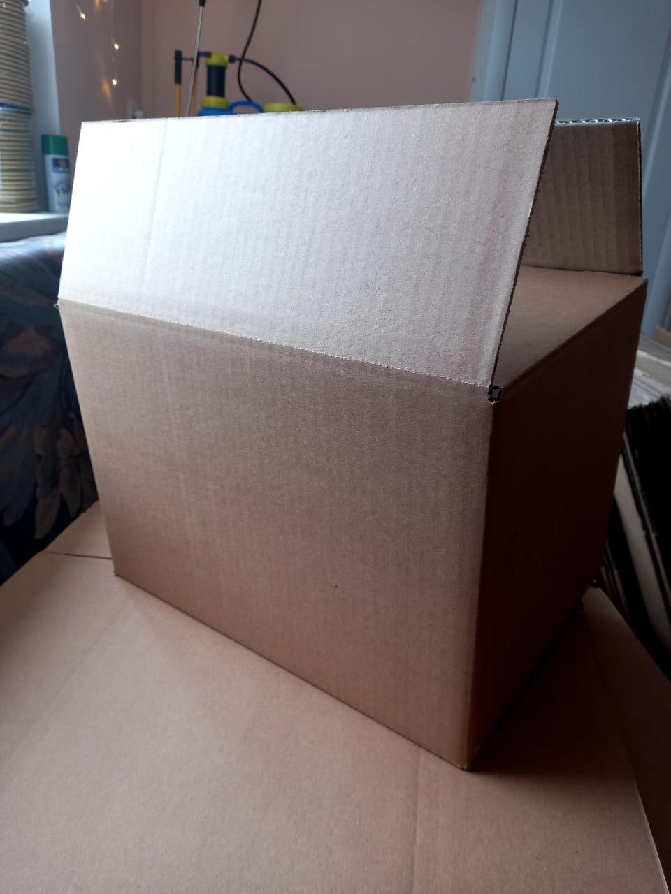 Коробка картонная 35х25х25 (A)