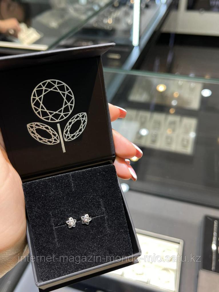 Пуссеты из серебра с бриллиантом