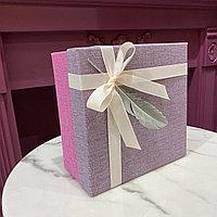 Коробка подарочная, розово-сиреневая, 20х20х10 см.