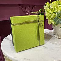 Коробка подарочная, фисташка с чёрным дном, 15х15х10 см.