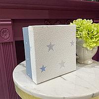 Коробка подарочная, голубая, 20х20х10 см.