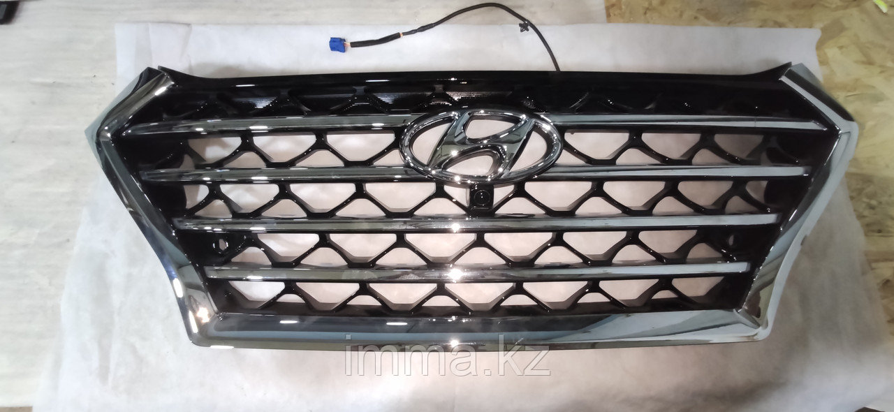 Оригинальная решетка радиатора Hyundai Tucson