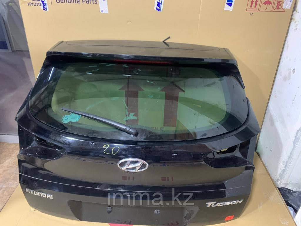 Оригинальная дверь багажника Hyundai Tucson III