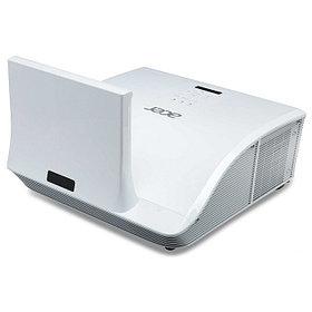 Ультракороткофокусные проекторы Acer