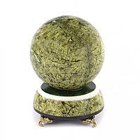 Шар из светло-зеленого змеевика Антистресс 10 см