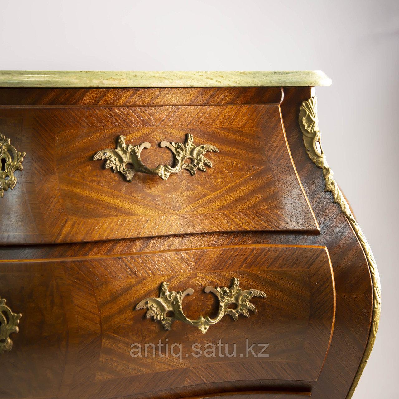 Старинный комод из Франции, I-й половины середины ХХ века с богатым декором из бронзы. - фото 6