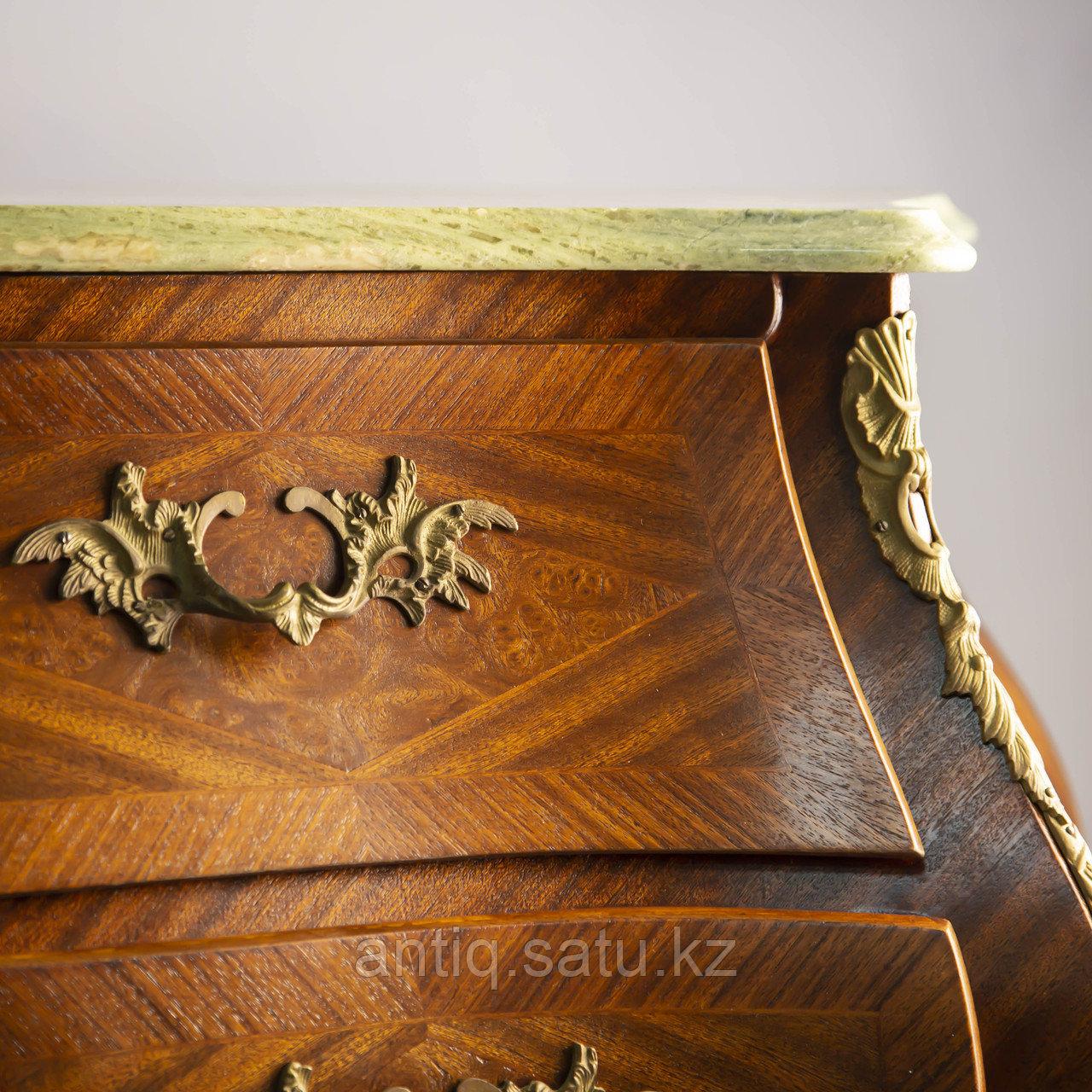 Старинный комод из Франции, I-й половины середины ХХ века с богатым декором из бронзы. - фото 7