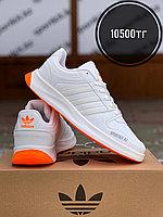 Кроссовки adidas бел оранж пятка