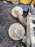 Направляющие колеса с натяжителями для экскаватора Hyundai R210