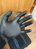 Перчатки нитриловые, неопудренные.