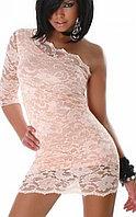 Нежно розовое кружевное гипюровое платье на одно плечо