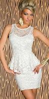 Белое кружевное платье баска