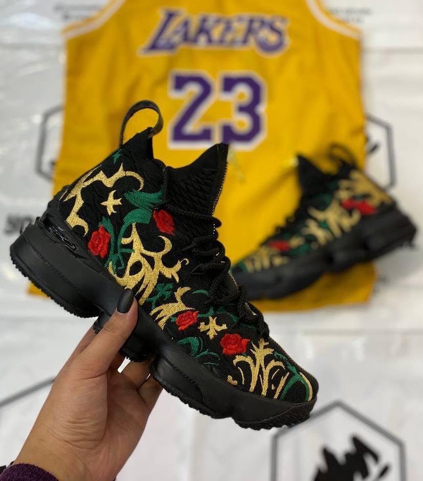 Баскетбольные кроссовки Nike Lebron 15 (XV)  размер 41 вналичии