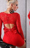 Красное Элегантное кружевное платье с вырезом и с бантиком на спине