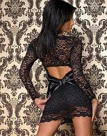 Черное гипюровое платье с бантом