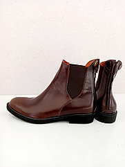 Ботинки для верховой езды.