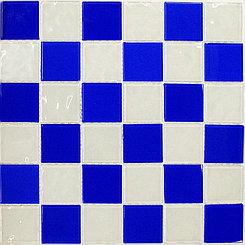 Крупная стеклянная мозаика шашки голубой