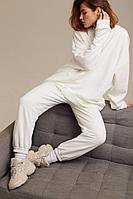 Женские осенние трикотажные белые спортивное брюки AIRIN 2447/2 42р.