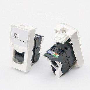 Shelbi Розеточный модуль Cat 5 UTP с лицевой панелью со шторкой 45х22.5 mm