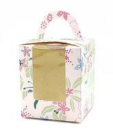 """Коробка """"Цветы"""" с окном и подложкой"""