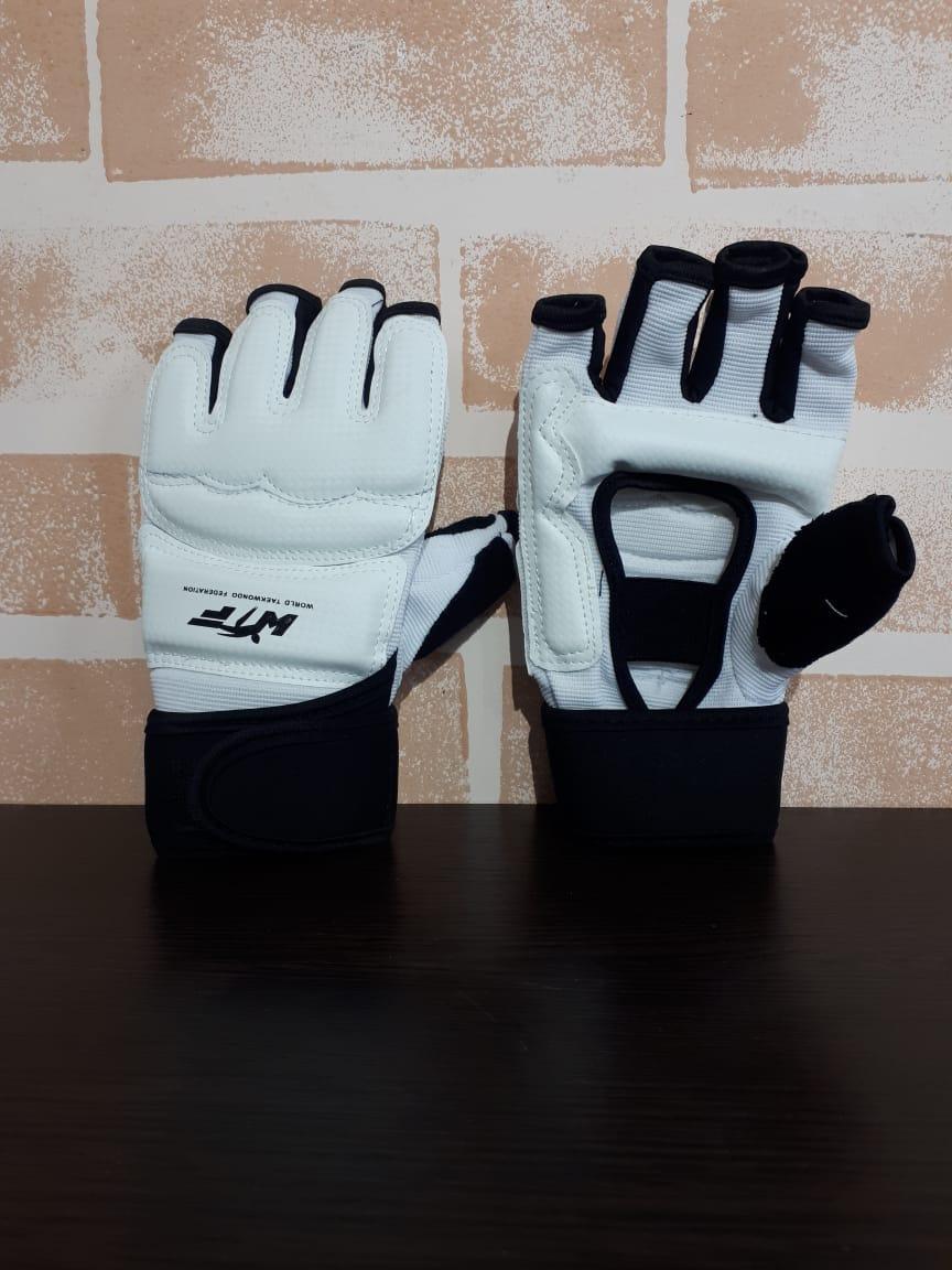 Перчатки на руки для тхэквондо