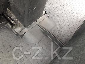 Резиновые коврики с высоким бортом для Toyota Corolla X (2007-2013), фото 3