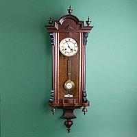 Часы настенные элегантной формы. Западная Европа, 19-й век.