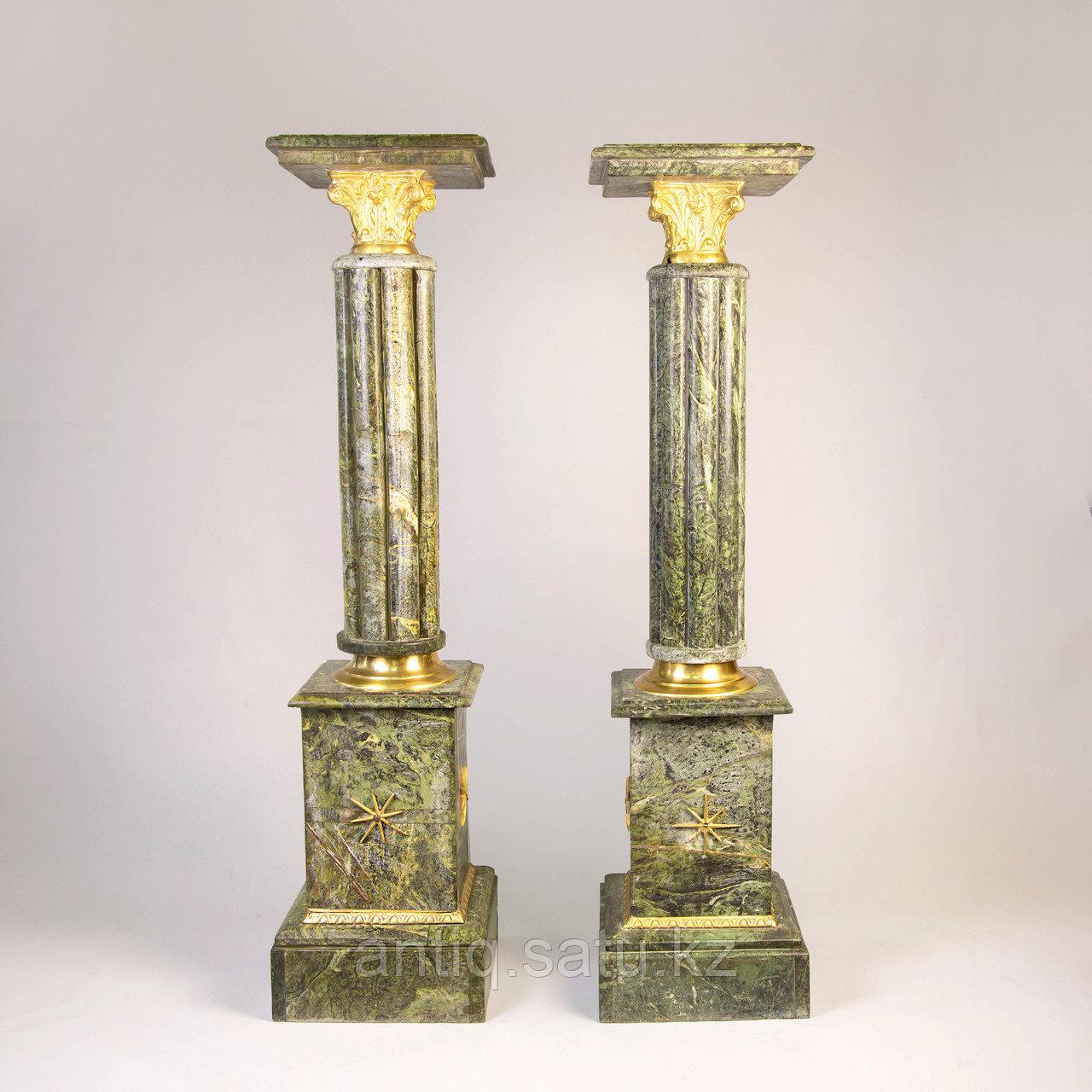 Пара колонн в дворцовом стиле. Подставки под дорогие вазы или фигуры. - фото 1