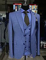 Мужской костюм-тройка Cardozo приталенного кроя небесного цвета