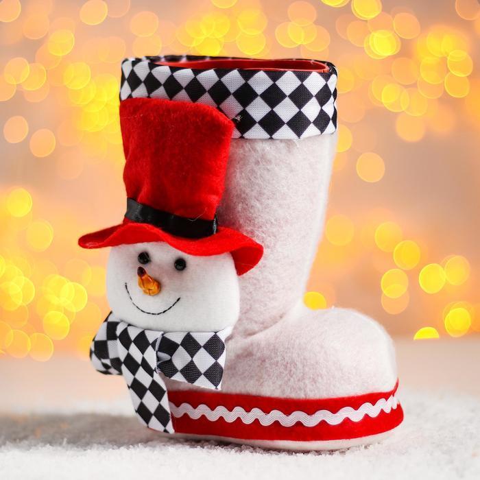 Конфетница «Сапожок», с объёмным снеговичком в шляпе, вместимость 400 г, цвет белый - фото 1